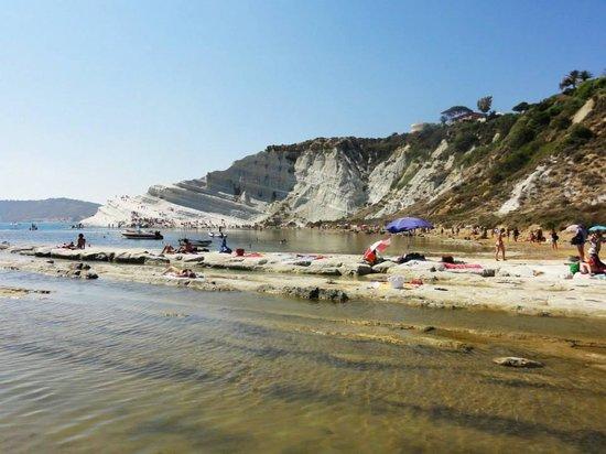 Realmonte, Italie : Vista della scala dalla spiaggia