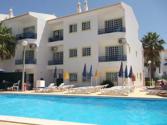 Sereia da Oura Hotel: Pool side apartments