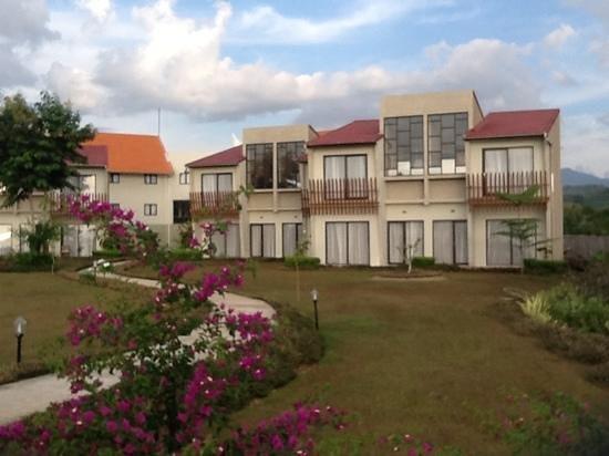 Luwansa Beach Resort Photo