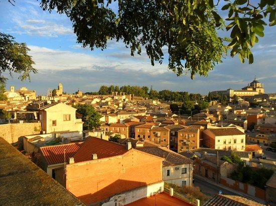 Hotel Medina de Toledo: Vista terraza