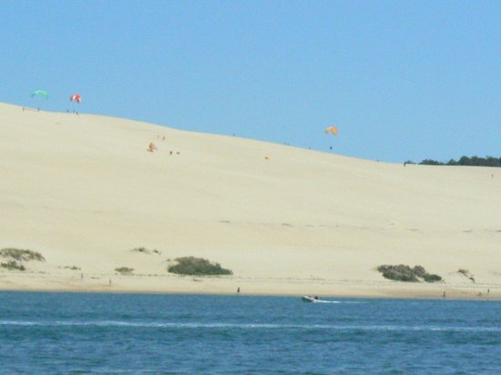 vue de la baie d 39 arcachon picture of dune du pilat la teste de buch tripadvisor. Black Bedroom Furniture Sets. Home Design Ideas