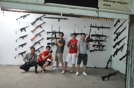 Angkor Transport Services: We shot some Zombies with real rifles !