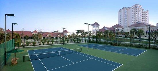 Sofitel Phnom Penh Phokeethra: Tennis Court
