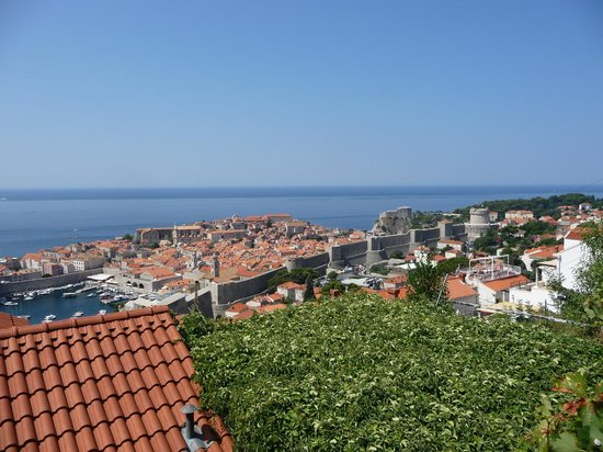 Apartments Lora : View of Dubrovnik from terrace
