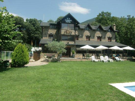 Hotel Florido: El hotel desde el jardin