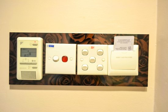 Fragrance Hotel - Emerald: card key AC and lights control