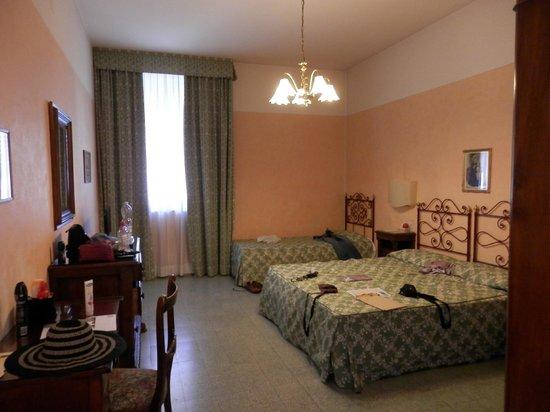 Hotel Orto De Medici: Classic Bedroom