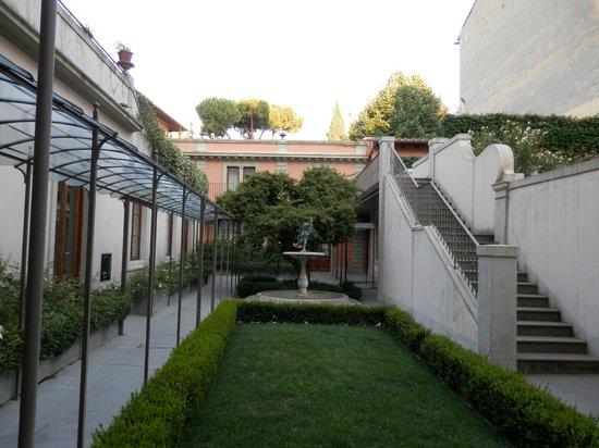 Hotel Orto De Medici: Gardens of Hotel