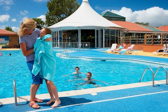 Hopton holiday park haven great yarmouth villa - Hotels with swimming pools in norfolk ...