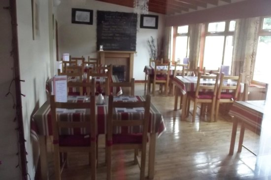 McTaggart Community Cyber cafe: inside cosy bistro