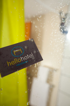 Hello Hotel Manchester : Shower