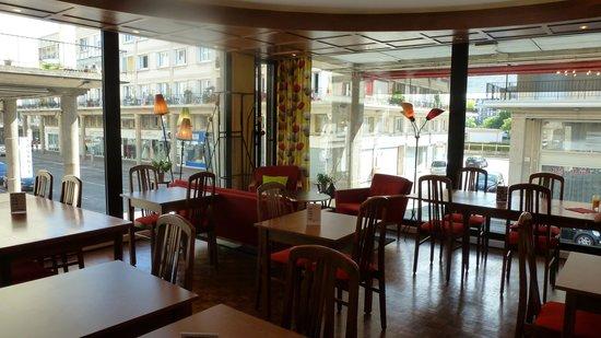 Ibis Styles le Havre Centre : salon petit déjeuner