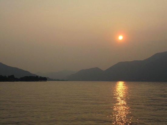 Ai Ronchi B&B : Sunset in Iseo