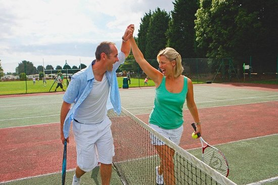 Kiln Park Holiday Centre - Haven: Tennis courts at Kiln Park Holiday Centre