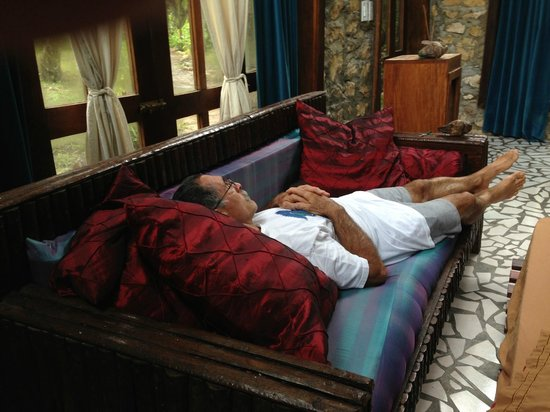 t Belize Boutique Resort & Spa : My Bro just chilling in the room