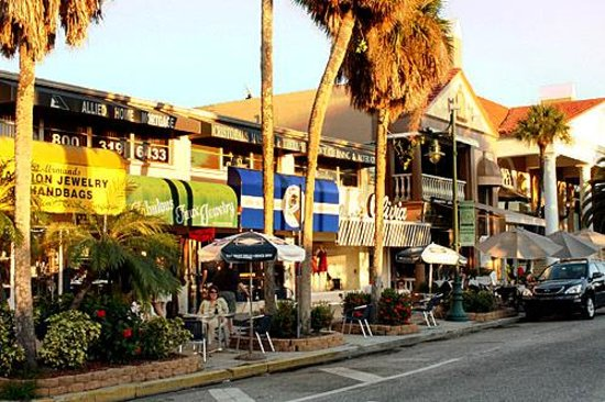 St. Armands Circle : Some of the EXCELLENT shops