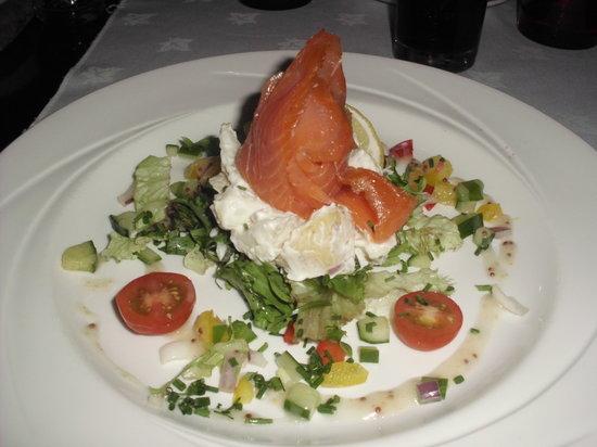 Radisson Blu Hotel, Letterkenny: lovely smoked salmon starter