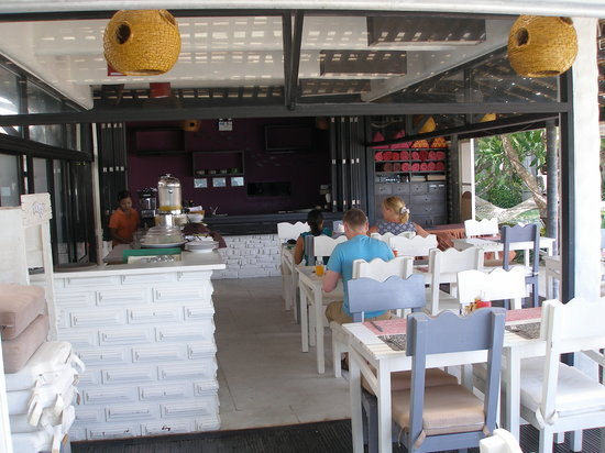 Punnpreeda Beach Resort: Bar and resturant