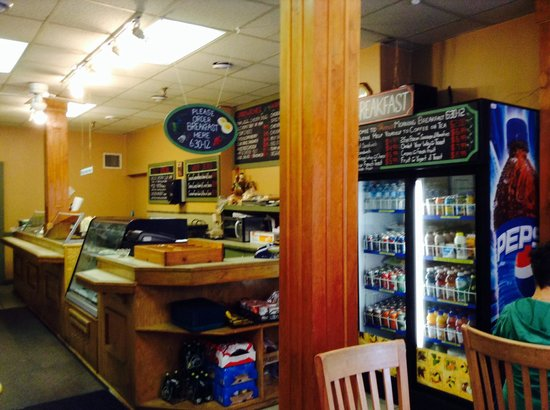 Anna's Cafe & Grill : Front Counter