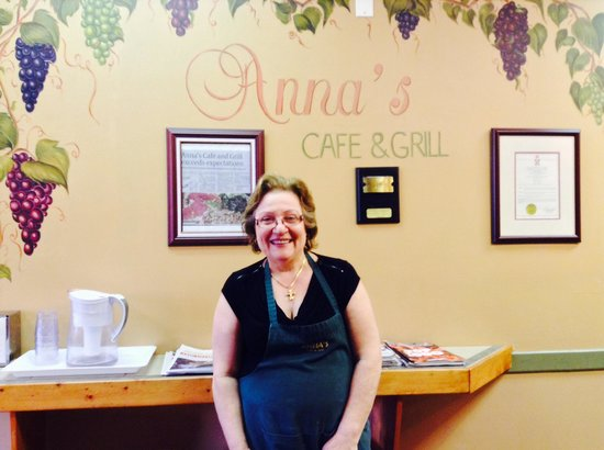 Anna's Cafe & Grill : Anna the owner