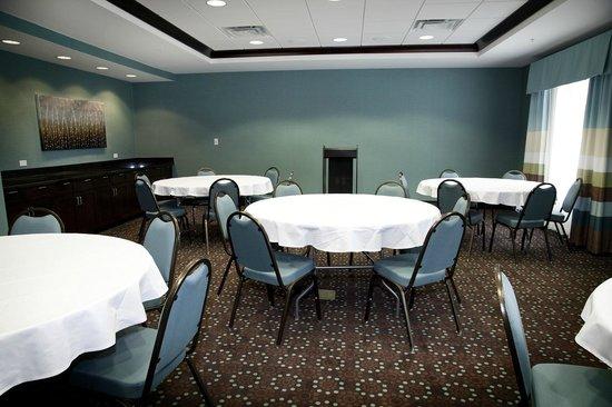 Hampton Inn Suites Wheeling - The Highlands: Meeting Room
