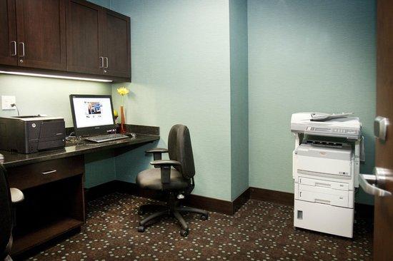 Hampton Inn Suites Wheeling - The Highlands: Complimentary Business Center
