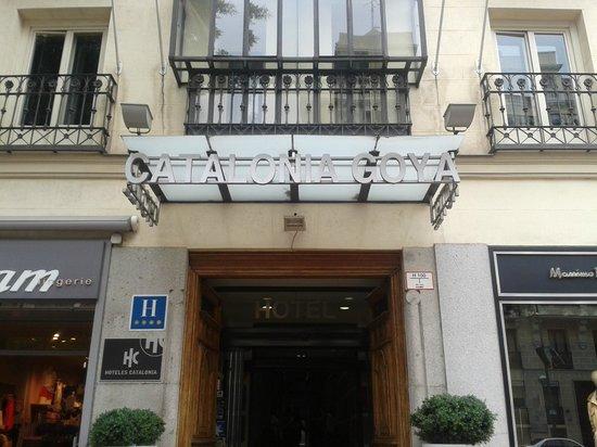 Catalonia Goya: Fachada exterior y Entrada
