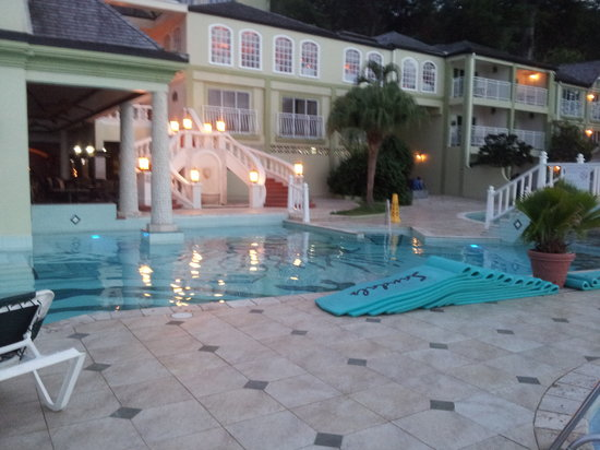 Sandals Regency La Toc Golf Resort and Spa: pool