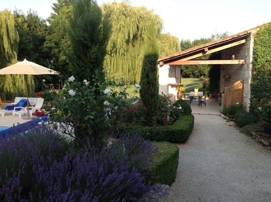 Au Moulin Brun : la cuisine d'été avec vue sur le parc