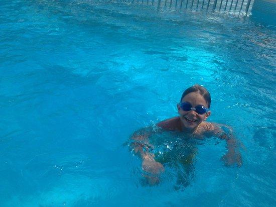 El Prado: piscina