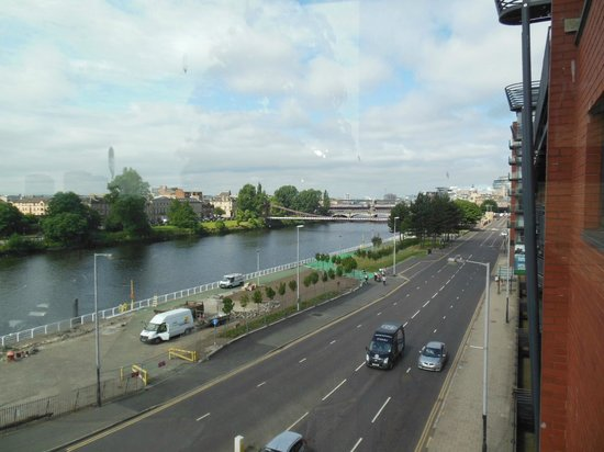 Holiday Inn Express Glasgow City Centre Riverside: View from the room