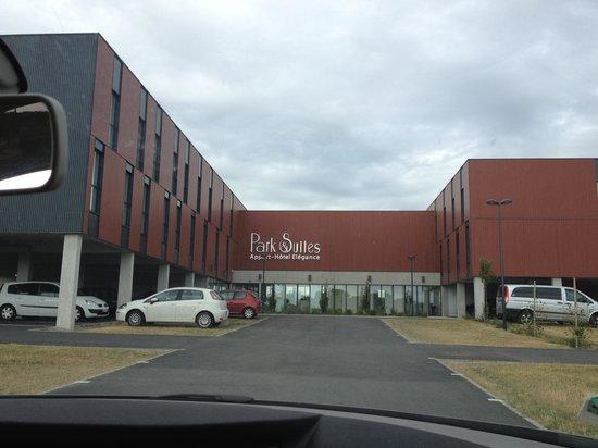 Entr e le soir bild von appart 39 city confort vannes for Vannes appart hotel