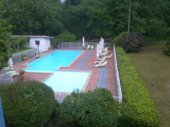 Hotel Restaurant Le Pont Bernet: piscine