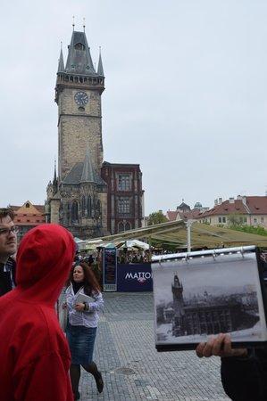 World War II in Prague Tour: A foto durante a guerra e a construção em maio/2013