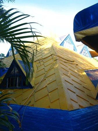 Hotel La Pyramide: Teto em formato de pirâmide