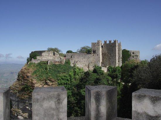 Funierice Service: Il castello