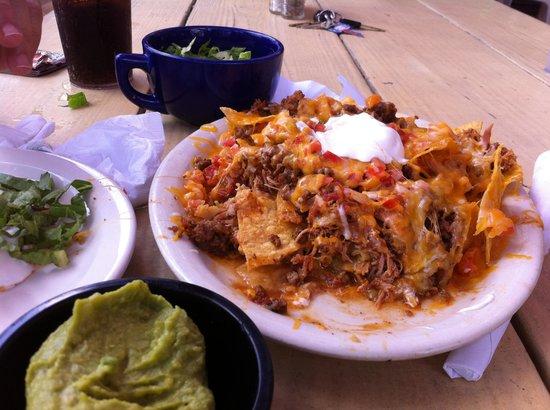The Tavern at Salt Rivers: Best nachos I've had on island