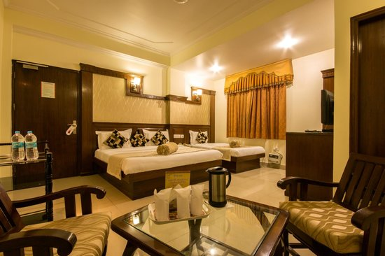 Hotel Grand Park Inn: Deluxe Triple Bed Room / Deluxe Double plus Extra Bed