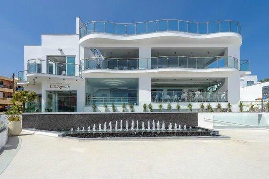 Tasia Maris Oasis: Entrance of hotel