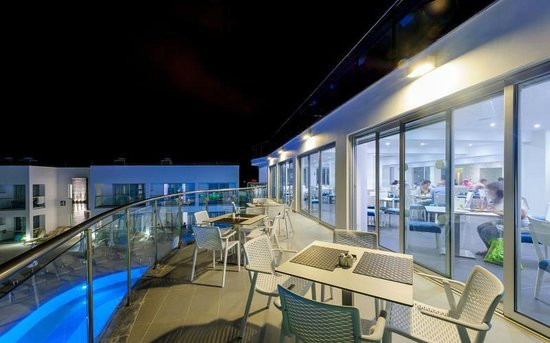 Tasia Maris Oasis: Restaurant Balcony