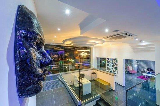 Tasia Maris Oasis: Lobby area