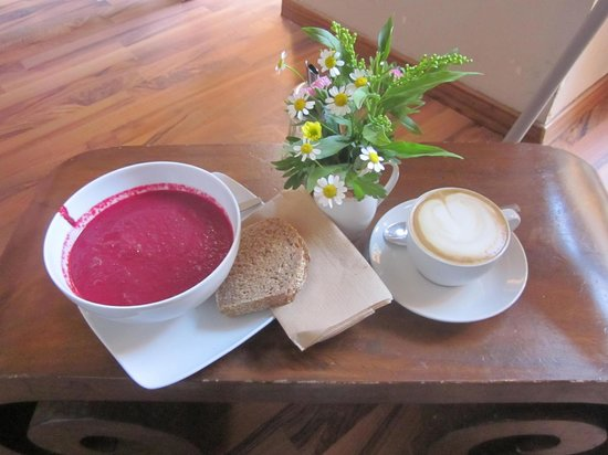 Goodies Berlin: Beetroot and Coconut Soup and a Vanilla Soya Milk cappuccino...