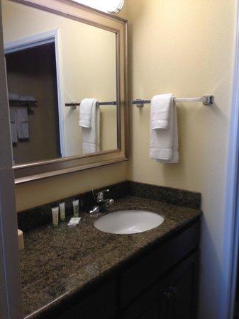 Staybridge Suites Elkhart North: Room 309
