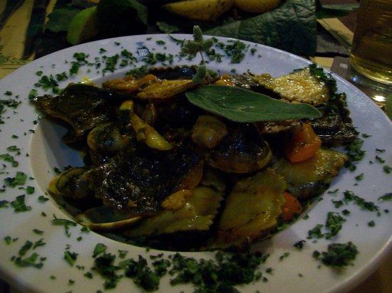 Pub del Duca : Ravioli di Pesce con Pomodorini Pachino e Vongole