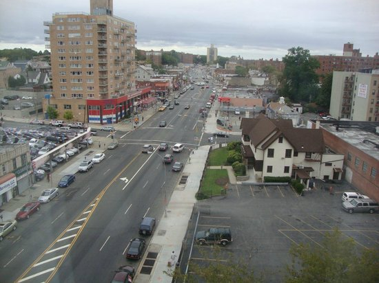 Ramada Jamaica/Queens: Vista da janela - window view