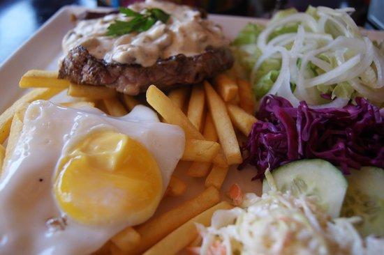 Knickerbocker Restaurant : Steak sauce ail & champignons... un régal !
