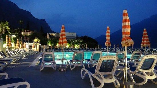 Hotel Ideal: Het zwembad