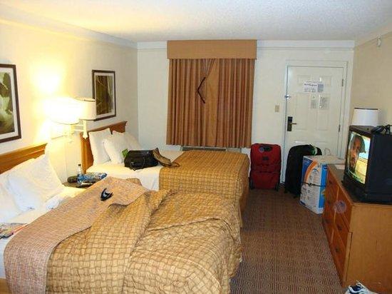 La Quinta Inn & Suites Sunrise Sawgrass Mills: A maior parte dos quartos vêm com micro e frigobar!