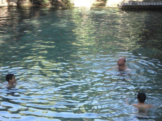 Aguas de Santa Barbara Resort Hotel : poço de água quente