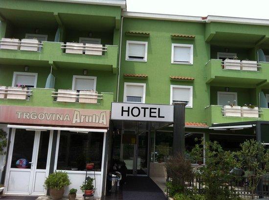 Aruba Hotel: The entrance